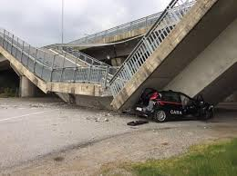 Cadono ancora ponti