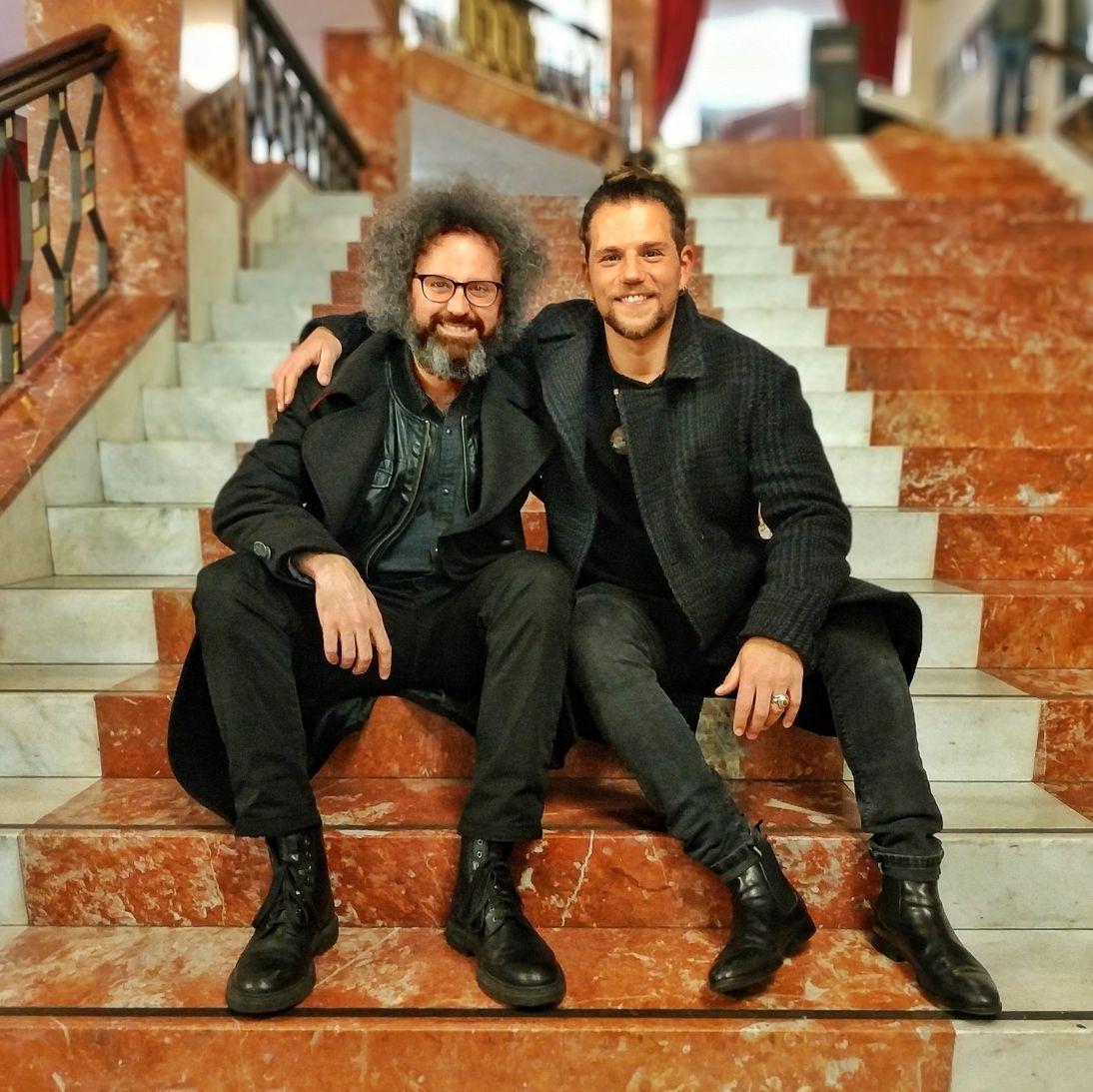 Enrico Nigiotti insieme a Simone Cristicchi