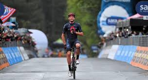 Uno spettacolare Filippo Ganna si aggiudica la quinta tappa del Giro