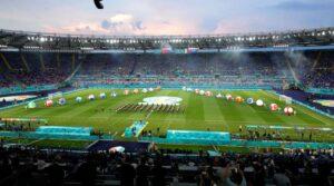 Grande emozione all'Olimpico di Roma che apre gli Europei 2021