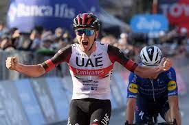 A Tadej Pogacar anche il Giro di Lombardia